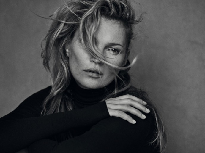 kate-moss-by-peter-lindbergh-for-vogue-italia-january-2015-11-690x517
